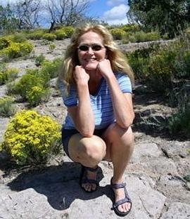 Lisa Dale Norton is a Memoir & Nonfiction Editor